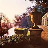 DAWN LIGHT ON THE PRAENESTE TERRACE AT ROUSHAM LANDSCAPE GARDENS  OXFORDSHIRE  GB