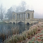 THE PALLADIAN BRIDGE SEEN THROUGH MIST  STOWE LANDSCAPE GARDEN  BUCKINGHAMSHIRE