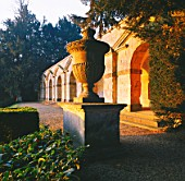 THE 7 ARCHED PORTICO CALLED PRAENESTE AFTER THE ROMAN TEMPLE AT PALESTRINA. ROUSHAM LANDSCAPE GARDEN  OXFORDSHIRE