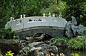 MISSOURI BOTANICAL GARDEN  ST LOUIS  USA: A STONE BRIDGE IN THE GRIGG NANJING FRIENDSHIP GARDEN  AN AUTHENTIC CHINESE GARDEN