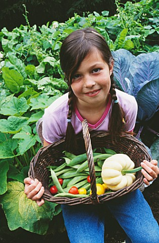 DESIGNER_CLARE_MATTHEWS__GIRL_WITH_TRUG_FULL_OF_BEANS__TOMATOES_AND_GOURDS