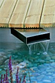 HAMPTON COURT 2004/ DAVES PLACE/ DESIGNER KERRIE JOHN: DECK AND METAL WATER SPOUT