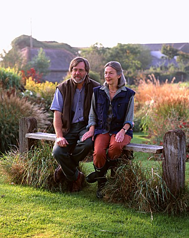 LUCY_GOFFIN_AND_GRAHAM_GOUGH_AT_MARCHANTS_HARDY_PLANTS__SUSSEX