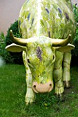 GARDEN DESIGNED BY CHARLOTTE SANDERSON: MODEL COW IN THE LAWN