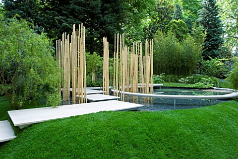 CHELSEA_2008_GARDEN_IN_THE_SILVER_MOONLIGHT__DESIGNERS_HARUKO_SEKI_AND_MAKOTO_SAITO