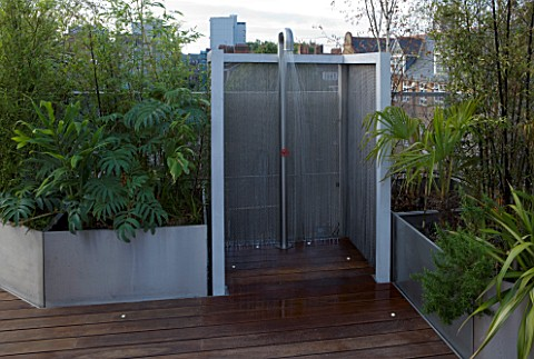 CONTEMPORARY_FORMAL_ROOF_TERRACE_GARDEN_DESIGNED_BY_DATA_NATURE_ASSOCIATES_MODERN_METAL_SHOWER_WITH_