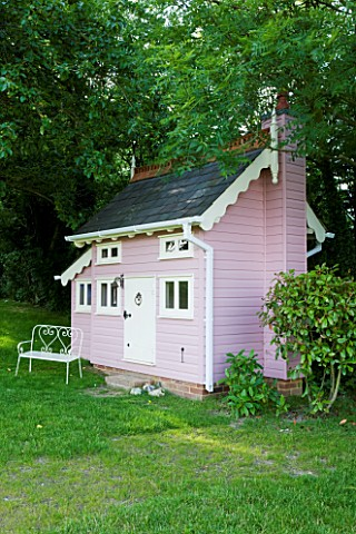 PAULA_PRYKES_HOUSE__SUFFOLK_PINK_PAINTED_PLAYHOUSESUMMERHOUSE_MADE_BY_LOCAL_CARPENTERCRAFTSMAN