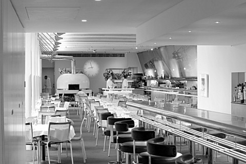 THE_RIVER_CAFE_RESTAURANT__LONDON_BLACK_AND_WHITE_TONED_I_MAGE_OF_INTERIOR_OF_RESTAURANT_AND_BAR