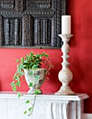 DESIGNER CLARE MATTHEWS: HOUSEPLANT PROJECT - TRAILING IVY IN CONTAINERS ON MANTELPIECE