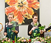 JUDITH BLACKLOCK  FLOWER SCHOOL : STUDENTS PRACTICING FLOWER ARRANGING