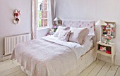 AMANDA KNOX HOUSE  GRANTHAM: AMANDAS BEDROOM - VINTAGE FABRIC FINDS  BED LINEN FROM THE WHITE COMPANY  BEDSIDE TABLES FROM ARDINGLY ANTIQUES FAIR