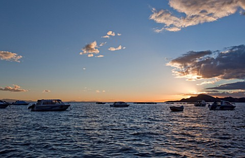SUNSET__LAKE_TITICACA__PERU_AND_BOLIVIA