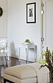 WHITE HOUSE: BREAKFAST ROOM: WHITE PAINTED TABLE AND FRAMED PHOTOGRAPH