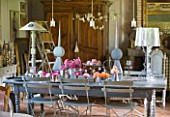 LES JARDINS DE ROQUELIN  LOIRE VALLEY  FRANCE: VINTAGE FARMHOUSE TABLE SET WITH ANCIENT ROSES FROM THE GARDEN