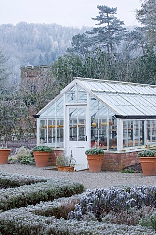 HAMPTON_COURT_CASTLE_AND_GARDENS__HEREFORDSHIRE_THE_ORGANIC_KITCHEN_VEGETABLE_GARDEN__GREENHOUSE_WIT