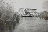SICILY  ITALY: LA CASE BIVIERE NEAR LENTINI - OLD PHOTOGRAPH SHOWING THE LAKE AT BIVIERE