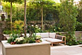 PRIVATE GARDEN LONDON: DESIGNER STEPHEN WOODHAMS - TOWN GARDEN - ROOF GARDEN WITH SEATING AND PAVING, STEPS, TRELLIS, RAISED BED WITH PLATANUS X ACERIFOLIA, CONTEMPORARY