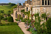 HADDON HALL, DERBYSHIRE: VIEW OF THE HALL FROM TOP TERRACE IN JUNE