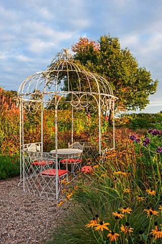 RYE_HALL_FARM_YORKSHIRE__DESIGNER_SARAH_MURCH__COUNTRY_GARDEN_WITH_RUSTIC_WHITE_PAINTED_METAL_GAZEBO