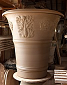 WHICHFORD POTTERY, WARWICKSHIRE: LARGE NEWLY THROWN BESPOKE 3 PIECE ACANTHUS TERRACOTTA CONTAINER DRYING OUT IN THE WORKSHOP