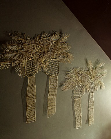 ABIGAIL_AHERN_HOUSE_LONDON_GOLD_WIRE_PALM_TREE_WALL_SCULPTURE__ORNAMENT