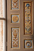 VAUX LE VICOMTE, FRANCE: THE HERCULES ANTECHAMBER. THE RESTORED DECORATIVE PANELS SHOW FOUQUETS COAT OF ARMS