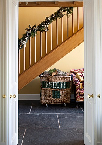 THE_FREETH_HEREFORDSHIRE_HALLWAY__SLATE_TILES_SLABS_PRINT_ROOM_YELLOW_FROM_FARROW_AND_BALL_PAINTED_W