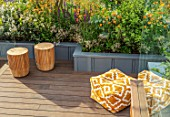 CHELSEA FLOWER SHOW 2017: CITY LIVING GARDEN DESIGNED BY KATE GOULD. MODERN, CONTEMPORARY, ORANGE, SEAT, SEATING, DECK, DECKING, CUSHIONS, RELAXING, RAISED BEDS, ROOF