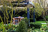 ASCOT SPRING GARDEN SHOW: GARDEN DESIGNED BY CATHERINE MACDONALD - WOODEN PERGOLA, TABLE AND CHAIRS, DINING, LAWNPRING, ENETRTAINING, ARBOUR-