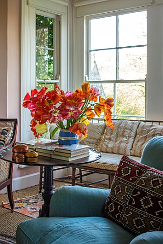 THE_OLD_PARSONAGE_LITTLE_BREDYDORSET_THE_SITTING_ROOM_WITH_JUG_OF_TULIPS_PICKED_FROM_THE_GARDEN_VASE