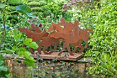 HARVARD FARM, DORSET: ARTWORK, SCULPTURE BY TIM HOBSON. METAL, ORNAMENT