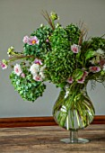ALHAM FARM, SOMERSET: CORNISHWARE: FARMHOUSE DINING ROOM - VASE OF FLOWERS FROM COMMON FARM FLOWERS, DINING TABLE, ENGLISH, COUNTRY, COTTAGE, HYDRANGEAS, ANEMONES, GRASSES