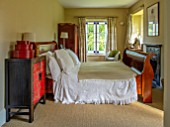 ALHAM FARM, SOMERSET: CORNISHWARE: MASTER BEDROOM, LARGE SLEIGH BED, PILLOWS