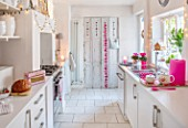 AMANDA KNOX HOUSE GRANTHAM: WHITE AND PINK KITCHEN, CHRISTMAS