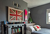 AMANDA KNOX HOUSE GRANTHAM: BOYS BEDROOM, GREY, CHRISTMAS, FIREPLACE, CUSHIONS