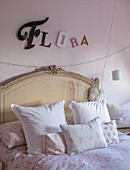 AMANDA KNOX HOUSE GRANTHAM: GIRLS BEDROOM, PINK, WHITE, CHRISTMAS, CUSHIONS