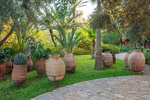 TAROUDANT_MOROCCO_DESIGNERS_ARNAUD_MAURIERES_AND_ERIC_OSSART_PATIO_TERRACE_EMPTY_TERRACOTTA_CONTAINE