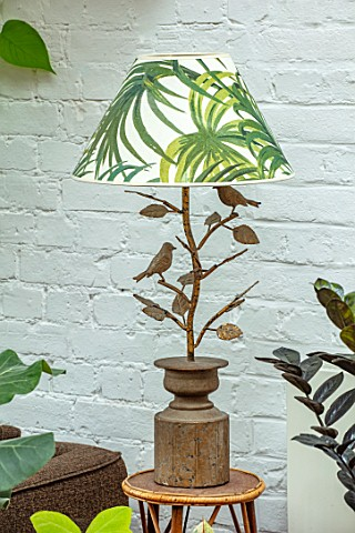 JAMIES_JUNGLE_LONDON_HOUSE_OF_JAMIE_SONG_PLANT_LAMPSHADE_ON_LAMP