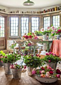 THE LAND GARDENERS, WARDINGTON MANOR, OXFORDSHIRE: FLOWERS IN THE FLOWER ROOM. CUTTING, CONSTANCE SPRY VASES