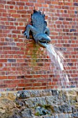 THE NEWT IN SOMERSET: NEWT WALL MOUNTED FOUNTAIN, WATER, FEATURE, SPOUT