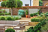 DESIGNER ANTHONY PAUL: SMALL, TOWN, FORMAL, GARDEN, SEATING, CLIPPED, TOPIARY, BOX, BALLS, SCULPTURE, GRAVEL, STEPS, WATER FEATURE, LONDON