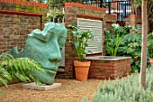DESIGNER ANTHONY PAUL: SMALL, TOWN, FORMAL, GRAVEL, WATER FEATURE, HEAD SCULPTURE, WALL, LONDON